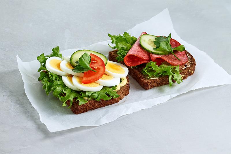 Real matpakke 2 skiver egg og salami