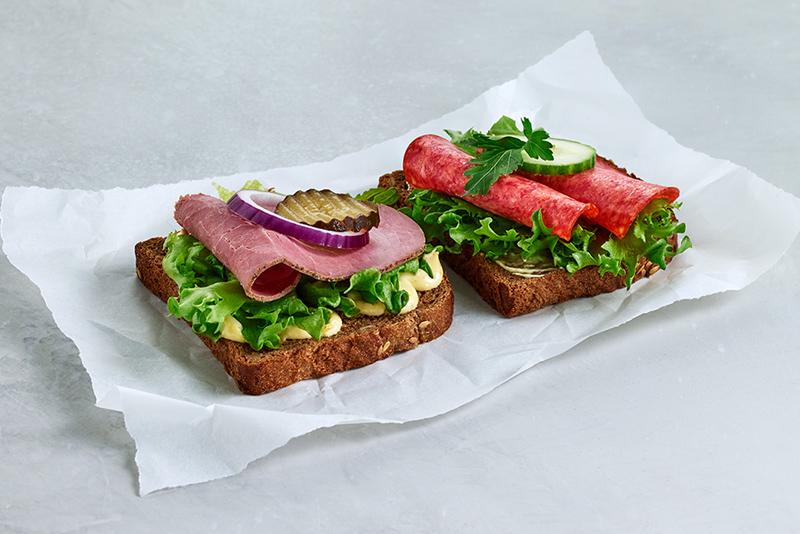 Real matpakke 2 skiver roastbeef og salami