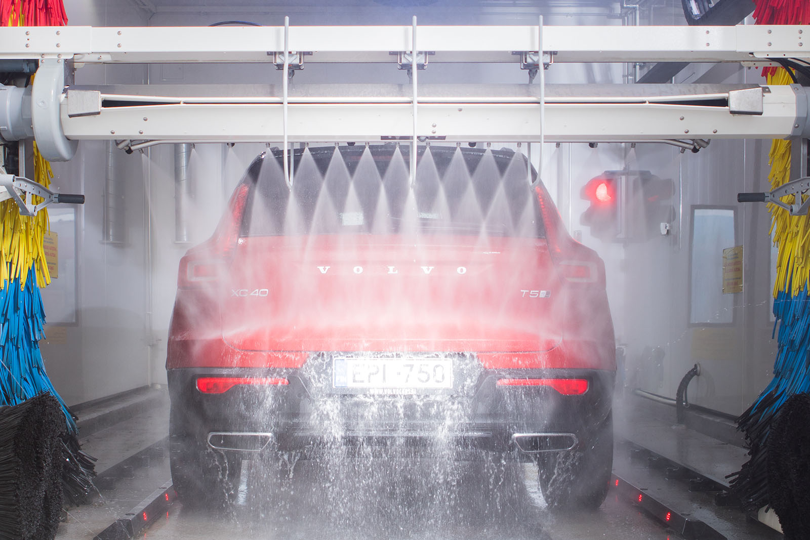 Auto pesukoneessa